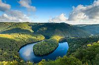 France, Puy de Dome, Queuille, Queuille meander formed by Sioule river // France, Puy-de-Dôme (63), Queuille, méandre de Queuille formé par la Sioule