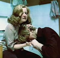 Оглянись (1983)