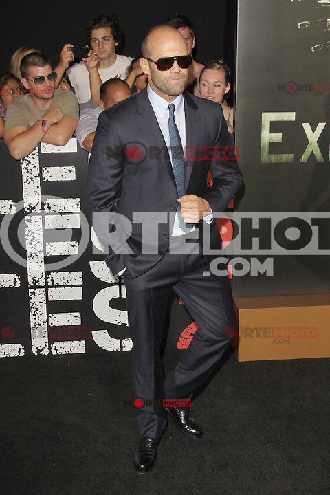 Jason Statham at Lionsgate Films' 'The Expendables 2' premiere on August 15, 2012 in Hollywood, California. ©mpi28/MediaPunch Inc. /NortePhoto.com<br /> <br /> **CREDITO*OBLIGATORIO** *No*Venta*A*Terceros*<br /> *No*Sale*So*third* ***No*Se*Permite*Hacer*Archivo***No*Sale*So*third*