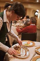 Europe/France/Rhône-Alpes/74/Haute-Savoie/Megève: Restaurant 1920, au Chalet du Mont d'Arbois - Découpe d'une sole