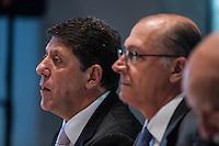 SÃO PAULO, SP - 30.09.2013: CERIMÔNIA DE POSSE E PRIMEIRA REUNIÃO DE TRABALHO DO CONSELHO SUPERIOR DE GESTÃO EM SAÚDE DO ESTADO DE SP - O Secretário da Saúde David Uip e Governador de São Paulo, Geraldo Alckmin durante a Cerimônia de posse e primeira reunião de trabalho do Conselho Superior de Gestão em Saúde do Estado de SP, que ocorre no Pálacio dos Bandeirantes, bairro do Morumbi região Sul de São Paulo nesta segunda-feira (30). (Foto: Marcelo Brammer/Brazil Photo Press)