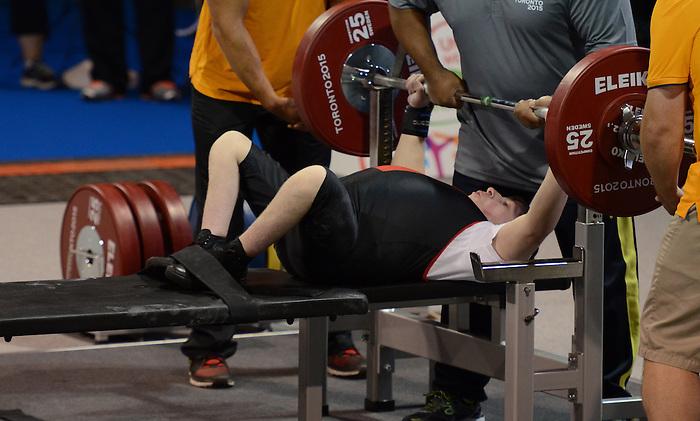 Dylan Sparks, Toronto 2015 - Powerlifting // Dynamophilie.<br /> Dylan Sparks competes in men's 59kg powerlifting // Dylan Sparks participe à la dynamophilie masculine de 59 kg. 09/08/2015.