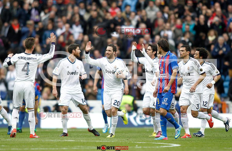 (L-R) Real Madrid's Sergio Ramos, Xabi Alonso, Gonzalo Higuain, Kaka, Luka Modric, Pepe, Marcelo Vieira celebrate goal during La Liga BBVA match. April 6, 2013.(ALTERPHOTOS/Alconada)