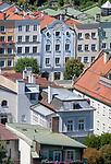 Deutschland, Oberbayern, Burghausen an der Salzach: Buergerhaeuser am Stadtplatz in der Altstadt | Germany, Upper Bavaria, Burghausen at river Salzach: town houses in old town at Town Square - facade