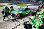 Kyle Busch (18) races for the O'Reilly Auto Parts 500 at Texas Motor Speedway in Fort Worth, Texas.