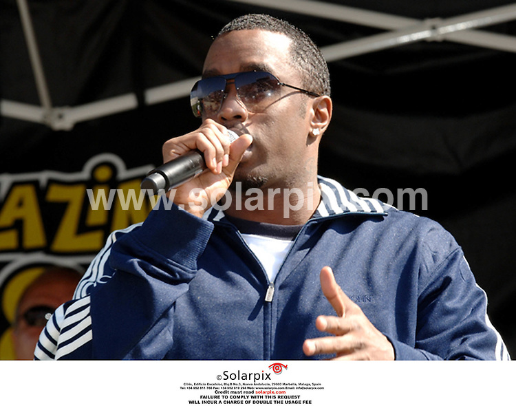 ALL ROUND  PICTURES FROM SOLARPIX.COM .10/10/2006 - P.Diddy - P.Diddy speaks to students about Education - Chula Vista High School - San Diego - USA. .Job Ref: 2898/PHZ..*MUST CREDIT SOLARPIX.COM OR DOUBLE USAGE FEE* .