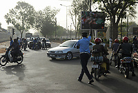NIGER Niamey, road traffic, policeman regulates