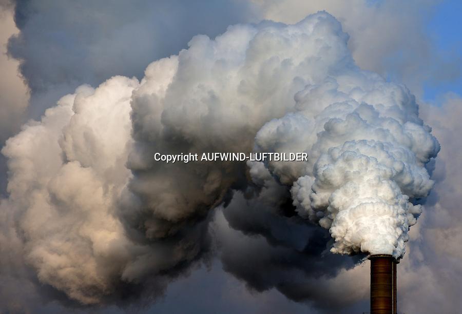 Kraftwerk Moorburg Schornstein Abgasfahne: EUROPA, DEUTSCHLAND, HAMBURG, (EUROPE, GERMANY), 01.03.2016: Kraftwerk Moorburg Schornstein Abgasfahne