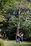 Cadre : Plastique Danse Flore 2012<br /> Lieu : Potager du roi<br /> Ville : Versailles<br /> Le : 14/09/2012<br /> (c) Laurent Paillier / photosdedanse.com<br /> All rights reserved