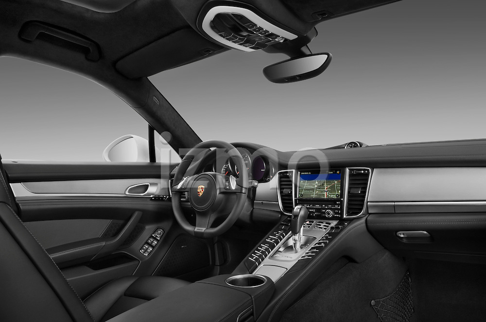 Dashboard of a 2010 Porsche Panamera Turbo