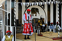 ZAMBIA Barotseland , Zambezi floodplain , Kuomboka ceremony in Limulunga, the Lozi king Lubosi Imwiko II. also called Litunga, change his lower land residence after raining time with the royal bark Nalikwanda to his upper land palace in Limulunga,  His Majesty Mulena Yomuhulu Mbumu wa Lubosi Imwiko II, King of Barotseland and left zambian vice president George Kunda / SAMBIA Barotseland , Flutebene des Zambezi Fluss , Kuomboka Fest in Limulunga, der Lozi Koenig, Litunga, in seiner Residenz in Limulunga