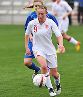 UEFA Women's Under 17 Championship - Second Qualifying round - group 1 : England - Iceland : .Lucy Whipp aan de bal.foto DAVID CATRY / Vrouwenteam.be