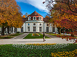 Deutschland, Bayern, Berchtesgadener Land, Bad Reichenhall: Konzertrotunde im Koeniglichen Kurpark - Herbststimmung | Germany, Bavaria, Upper Bavaria, Berchtesgadener Land, Bad Reichenhall: Concert Rotunda in Royal Spa Gardens - autumn scene