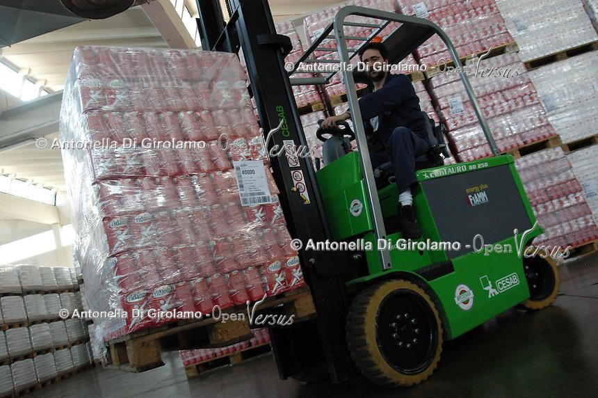 Zuccherificio Eridania Sadam. Raccolta e trasformazione delle barbabietole e produzione dello zucchero..Sugar factory Eridania Sadam. Harvesting and processing of sugar beets and sugar production..