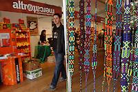 Bancarelle di artigianato e prodotti equosolidali..Stalls of crafts and fair trade products..Altromercato....