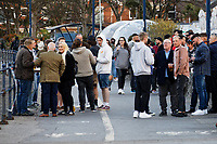 Pictured: People enjoy a drink outdoors in Mumbles. Friday 16 April 2021<br /> Re: People enjoy an evening out after Covid-19 lockdown rules were relaxed, in Swansea Bay, Wales, UK.