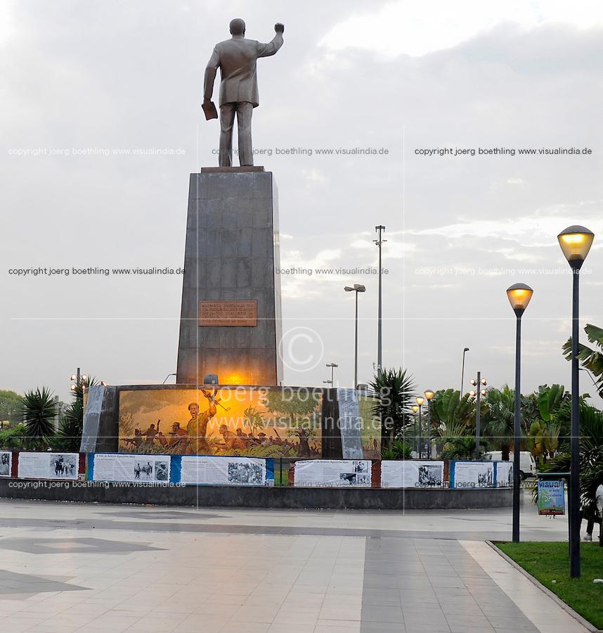 ANGOLA Luanda, Denkmal António Agostinho Neto (geb. 17. September 1922 in Ícolo e Bengo, gest. 10. September 1979 in Moskau) war von 1975 bis 1979 der erste Praesident von Angola, Arzt, Dichter und nationalistischer Fuehrer -  .ANGOLA Luanda memorial António Agostinho Neto, first president of Angola after independence 1975