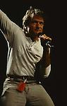 Robin Williams at Amnesty International Conspiracy of Hope Concert.   June 13 1986. Rosemont Horizon , Rosemont, Illonois.