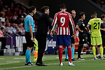 Atletico de Madrid's coach Diego Pablo Simeone have words with Alvaro Morata during La Liga match between Atletico de Madrid and Getafe CF at Wanda Metropolitano Stadium in Madrid, Spain. August 18, 2019. (ALTERPHOTOS/A. Perez Meca)
