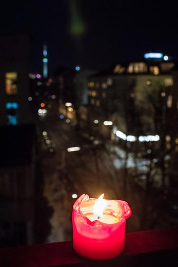 Kerze fuer Corona-Opfer.<br /> 21.1.2021, Berlin<br /> Copyright: Christian-Ditsch.de
