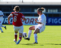 European Women's Under - 19 Championship 2011 Italy :.Switzerland - Belgium U19 :  Jana Coryn aan de bal voor Chantal Fimian.foto DAVID CATRY / VROUWENTEAM.BE