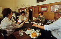 Europe/Autriche/Niederösterreich/Vienne: Partie de cartes au Café Pruckel
