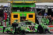 #18: Kyle Busch, Joe Gibbs Racing, Toyota Camry Interstate Batteries pit stop