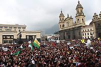 BOGOTÁ - COLOMBIA, 10-10-2018:Más de 60 mil estudiantes marcharon por la capital , protestando y exigiendo más presupuesto para la educación superior pública./More than 60 thousand students marched through the capital, protesting and demanding more budget for public higher education. Photo: VizzorImage / Felipe Caicedo / Satff