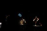 SEEDS (retour à la terre)<br /> <br /> Chorégraphie Carolyn Carlson<br /> Assistante à la chorégraphie Sara Orselli<br /> Création vidéo, animation Yacine Aït Kaci (YAK)<br /> Musique originale Aleksi Aubry-Carlson<br /> Création lumières Guillaume Bonneau<br /> Création costumes Olivier Mulin<br /> Réalisation costumes Fatima Azakkour<br /> Ismaera porte un ensemble Arnaud Lazérat<br /> Accessoires et décors Gilles Nicolas<br />  <br /> Interprétation Chinatsu Kosakatani, IsmaeraTakeo Ishii, Alexis Ochin et Elyx (animé par YAK)<br /> Compagnie Carolyn Carlson<br /> Lieu : Théâtre de Chaillot<br /> Ville : Paris<br /> Date : 12/01/2016<br /> © Laurent Paillier / photosdedanse.com