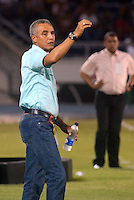BARRANQUILLA  -COLOMBIA, 25-MARZO-2015. Alexis Mendoza director tecnico  del Atletico Junior   durante el encuentro con   Patriotas de Boyaca durante partido por la fecha 1 de la Liga  çguila I 2015 jugado en el estadio Metropolitano  de la ciudad de Barranquilla./ Alexis Mendoza coach  of Atletico Junior  reacts during match  against  Patriotas during the match for the first date of the Liga  Aguila I 2015 played at Metropolitano  stadium in Barranquilla city<br />  . Photo / VizzorImage / Alfonso Cervantes / Stringer