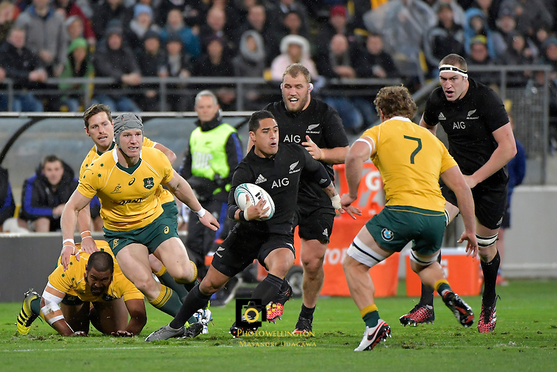 All Blacks' Aaron Smith in action during the All Blacks v Wallabies. The Rugby Championship & Bledisloe Cup at Westpac Stadium, Wellington, New Zealand on Saturday 27 August 2016.<br /> Photo by Masanori Udagawa. <br /> www.photowellington.photoshelter.com.