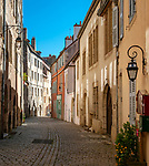 Frankreich, Bourgogne-Franche-Comté, Département Jura, Dole: Altstadtgasse Rue Pasteur | France, Bourgogne-Franche-Comté, Département Jura, Dole: old town lane Rue Pasteur