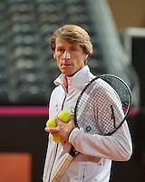 Februari 04, 2015, Apeldoorn, Omnisport, Fed Cup, Netherlands-Slovakia, Training Dutch team, Captain Paul Haarhuis<br /> Photo: Tennisimages/Henk Koster