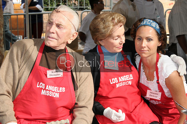 Kirk Douglas with Anne Douglas and Minnie Driver<br />at The Los Angeles Mission Thanksgiving Meal for the Homeless hosted by Kirk and Anne Douglas. Los Angeles Mission, Los Angeles, CA. 11-22-06<br />Dave Edwards/DailyCeleb.com 818-249-4998