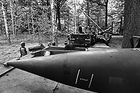 """- US Army, nuclear tactical missile """"Lance"""" during NATO exercises in Germany (September 1988)<br /> <br /> - US Army, missile nucleare tattico """"Lance"""" durante esercitazioni NATO in Germania (settembre 1988)"""