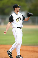 February 22, 2009:  Pitcher Nick Brown (35) of the University of Iowa during the Big East-Big Ten Challenge at Naimoli Complex in St. Petersburg, FL.  Photo by:  Mike Janes/Four Seam Images