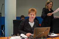 2. NSU-Untersuchungsausschuss dees Deutschen Bundestag.<br /> Aufgrund vieler Ungeklaertheiten und Fragen sowie vielen neuen Erkenntnissen ueber moegliche Verstrickungen verschiedener Geheimdienste in das Terror-Netzwerk Nationalsozialistischen Untergrund (NSU) wurde von den Abgeordneten des Bundestgas ein zweiter Untersuchungsausschuss eingesetzt.<br /> Am Donnerstag den 17. Dezember fand die 1. oeffentliche Sitzung des 2. NSU-Untersuchungsausschuss des Deutschen Bundestag statt.<br /> Im Bild: Petra Pau, Obfrau der Linkspartei im Ausschuss.<br /> 17.12.2015, Berlin<br /> Copyright: Christian-Ditsch.de<br /> [Inhaltsveraendernde Manipulation des Fotos nur nach ausdruecklicher Genehmigung des Fotografen. Vereinbarungen ueber Abtretung von Persoenlichkeitsrechten/Model Release der abgebildeten Person/Personen liegen nicht vor. NO MODEL RELEASE! Nur fuer Redaktionelle Zwecke. Don't publish without copyright Christian-Ditsch.de, Veroeffentlichung nur mit Fotografennennung, sowie gegen Honorar, MwSt. und Beleg. Konto: I N G - D i B a, IBAN DE58500105175400192269, BIC INGDDEFFXXX, Kontakt: post@christian-ditsch.de<br /> Bei der Bearbeitung der Dateiinformationen darf die Urheberkennzeichnung in den EXIF- und  IPTC-Daten nicht entfernt werden, diese sind in digitalen Medien nach §95c UrhG rechtlich geschuetzt. Der Urhebervermerk wird gemaess §13 UrhG verlangt.]