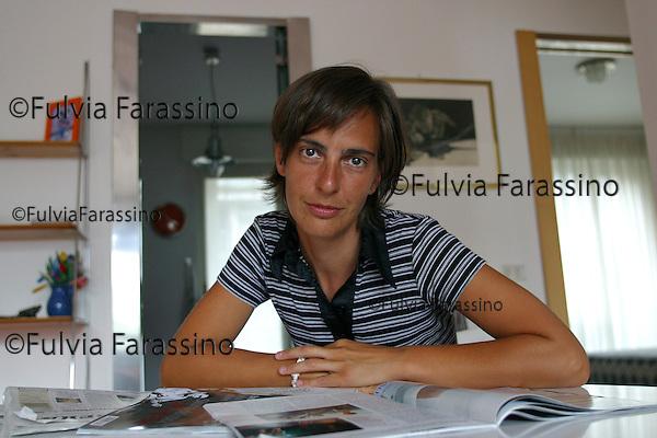 Simona Peverelli.Milano,9 agosto 2002