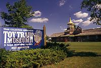 AJ2990, Strasburg, train museum, Pennsylvania, Lancaster County, The National Toy Train Museum in Strasburg in Pennsylvania Dutch Country in the state of Pennsylvania.
