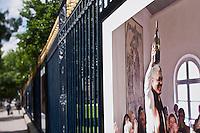 Europe/France/Aquitaine/33/Gironde/Bordeaux: Exposition de photographies: La Vigne et le vin sur les grilles du Jardin Public