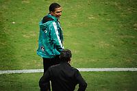 PORTO ALEGRE, RS, 22.04.2021 - GREMIO - LA EQUIDAD – O técnico Alexis Garcia, da equipe do La Equidad, na partida entre Grêmio e La Equidad, pela primeira rodada da Copa Sul Americana, no estádio Arena do Grêmio, em Porto Alegre, nesta quinta-feira (22).