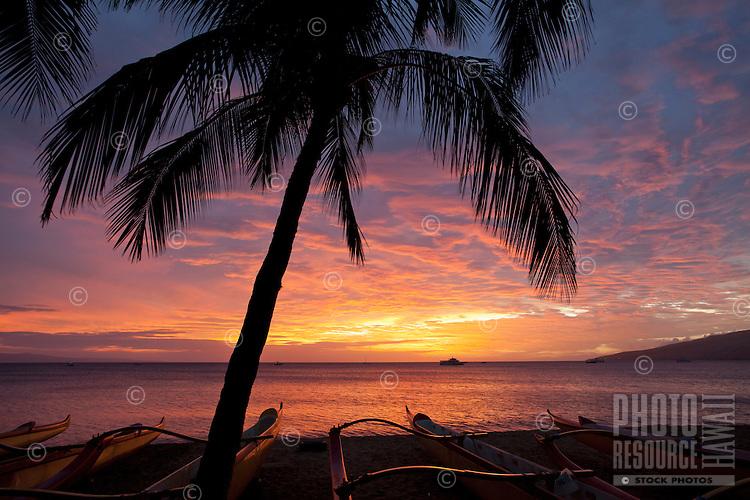 A spectacular sunset at Kihei, Maui.