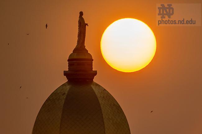 September 15, 2020; Sunrise through haze created by western US wildfires (Photo by Matt Cashore/University of Notre Dame)