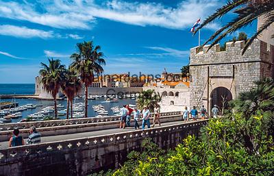Kroatien, Dalmatien, Dubrovnik: Altstadt - UNESCO Weltkulturerbe - Ploče-Tor | Croatia, Dalmatia, Dubrovnik: Old Town - UNESCO world heritage - Ploče Gate