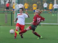 Dames Zulte - Waregem - Femina White Star Woluwe : duel tussen Wendy Beth en Silke Demeyere.foto DAVID CATRY / Vrouwenteam.be