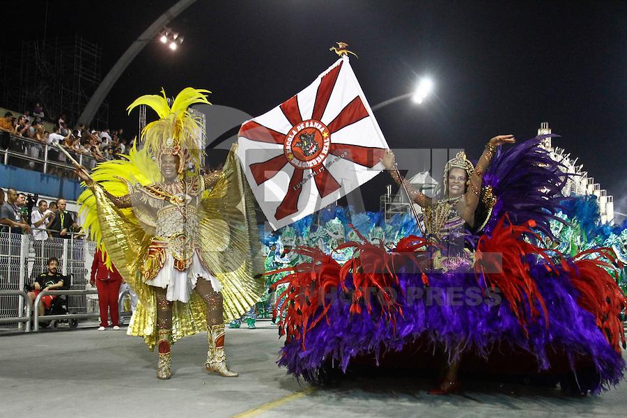 SAO PAULO, SP, 16 DE FEVEREIRO 2013 - CARNAVAL SP - DESFILE DAS CAMPEÃS  - Integrantes da escola de samba  Dragões da Real: quarta colocada do Grupo Especial, durante desfile das campeãs  no Sambódromo do Anhembi na região norte da capital paulista, na madrugada deste sábado, 16. (FOTO:  LOLA OLIVEIRA / BRAZIL PHOTO PRESS).