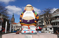 Nederland Den Haag -  maart 2021.    Op de Grote Markt in Den haag staat een standbeeld van stripfiguur Haagse Harry. Haagse Harry is bedacht door tekenaar Marnix Rueb.    Foto ANP / Hollandse Hoogte /  Berlinda van Dam