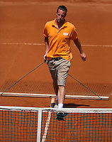 09-07-13, Netherlands, Scheveningen,  Mets, Tennis, Sport1 Open, day two, court maintenance<br /> <br /> <br /> Photo: Henk Koster