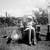 Portraits de famille quebecoise vers 1950 (date exacte inconnue)