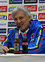 BARRANQUILLA - COLOMBIA - 04 – 10 - 2017: Jose Pekerman técnico de la Selección Colombia habla con la prensa en Barranquilla. Colombia se prepara para el próximo partido contra Paraguay para la calificificacion a la Copa Mundo FIFA Rusia 2018. / Jose Pekerman coach of Colombia Team speaks with the media in Barranquilla. The Colombia Team preparing for the next game against Paraguay team for the qualifier to FIFA World Cup Russia 2018. Photos: VizzorImage / Luis Ramirez / Staff.